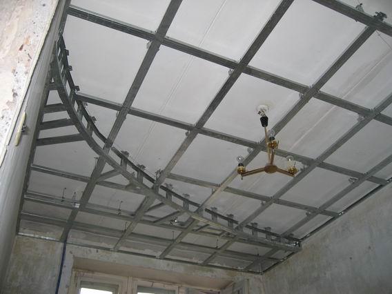Потолок из профиля фото